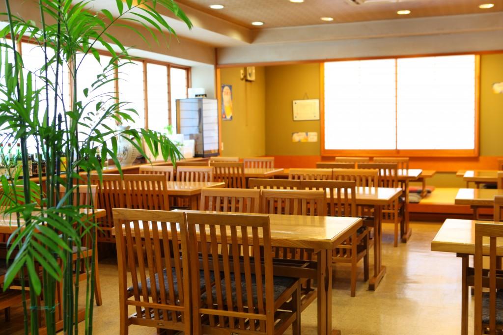 2IMG_4829レストラン客席2
